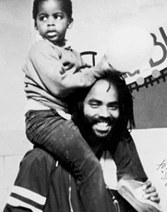 Mumia-Abu-Jamal-with-son-331x420
