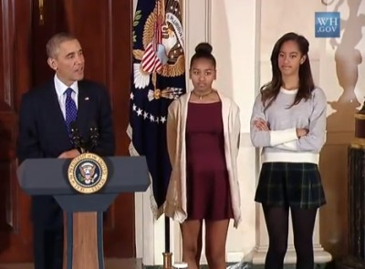 sasha-and-malia-turkey-pardon_400x295_85